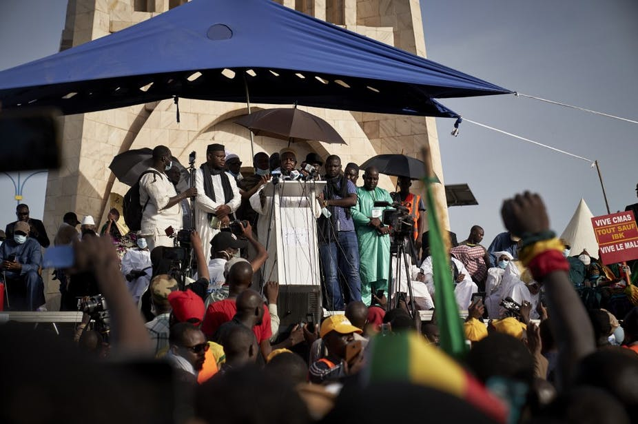 Les religieux sont-ils en train de prendre le pouvoir au Mali ?