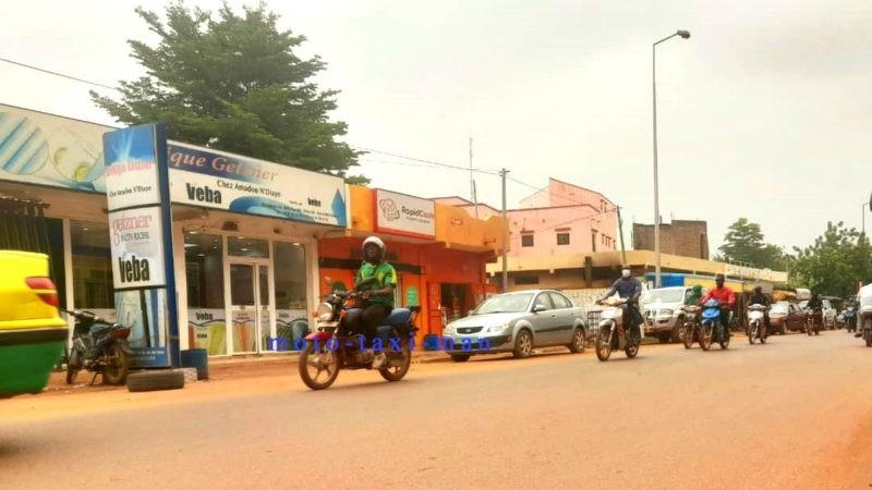 À Bamako, l'alarmante situation des jeunes moto-taximen
