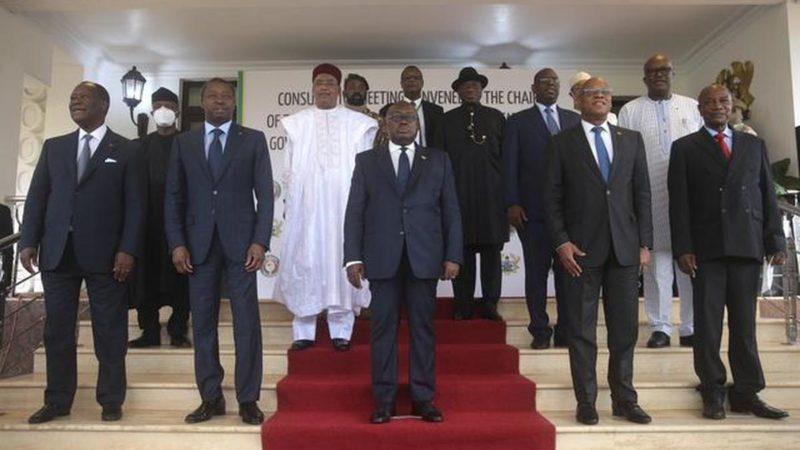 Mali-Transition : après le départ de Bah N'Daw, comment expliquer la réaction des partenaires ?