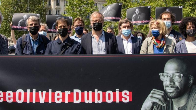 Deux mois après le kidnapping du journaliste Olivier Dubois, RSF rassemble des anciens otages à Paris (communiqué)