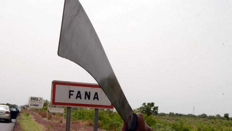 Fana : après les assassinats en série, la crainte des mères